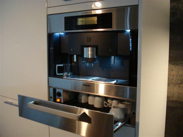 de voordeligste woonwinkel van nederland miele inbouwkoffieautomaat 30679. Black Bedroom Furniture Sets. Home Design Ideas