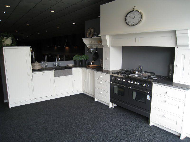 De voordeligste woonwinkel van nederland beda desoria classic eik wit - Model keuken wit gelakt ...