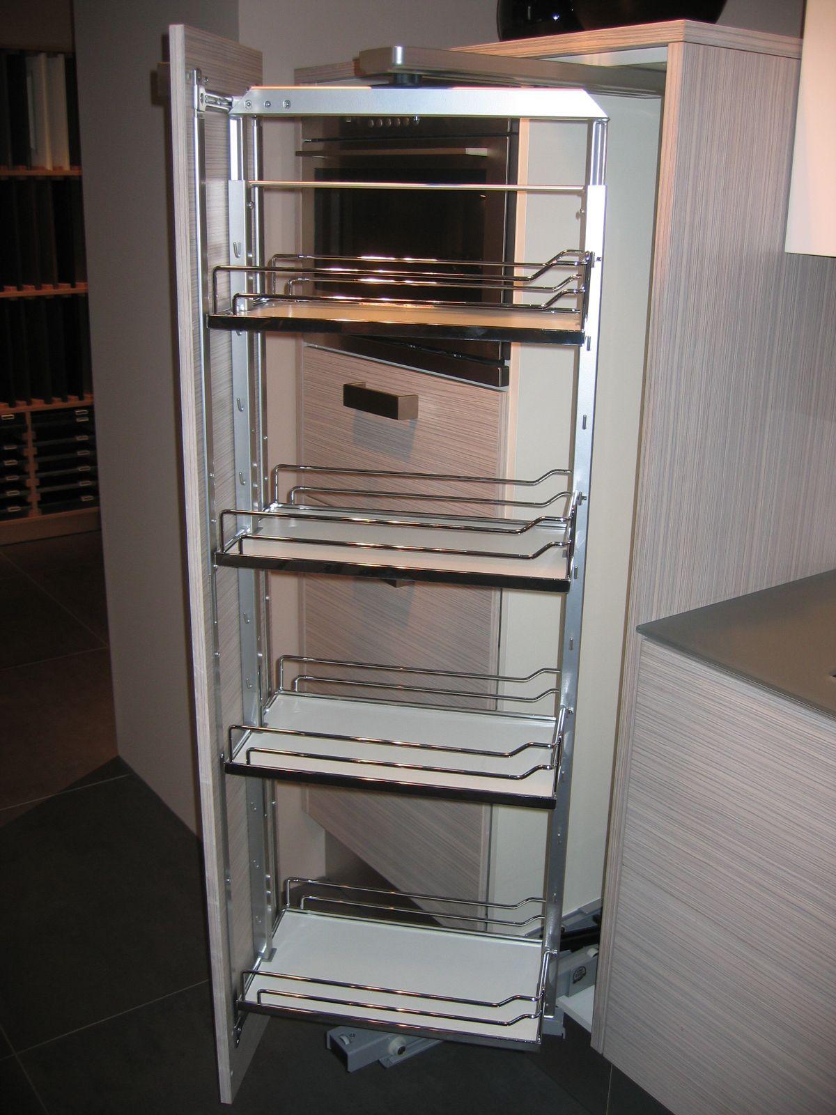 Apothekerskast Keuken Afmetingen : Deze keuken is uitgevoerd met een glazen werkblad en rugwand van 1cm
