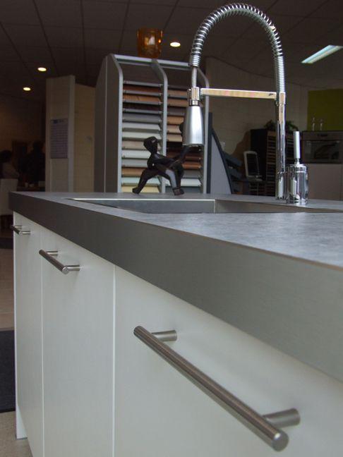 Keuken Met Bar Eiland : woonwinkel van Nederland! Schuller eiland keuken met bar [26367