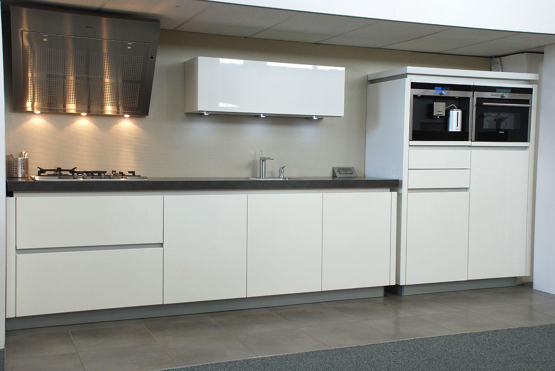 Witte keuken in prachtige ruime opstelling beste inspiratie voor huis ontwerp - Ontwerp witte keukens ...
