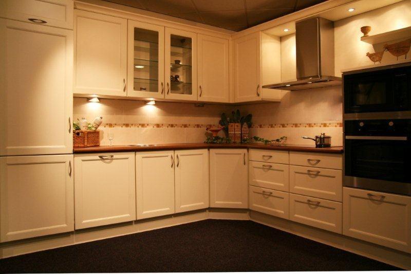 Een Gezellige Keuken : gezellige keuken y109 34227 gezellig keuken in klassieke stijl met een