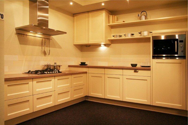 De voordeligste woonwinkel van nederland semi klassieke keuken a70 34171 - De klassieke keuken ...