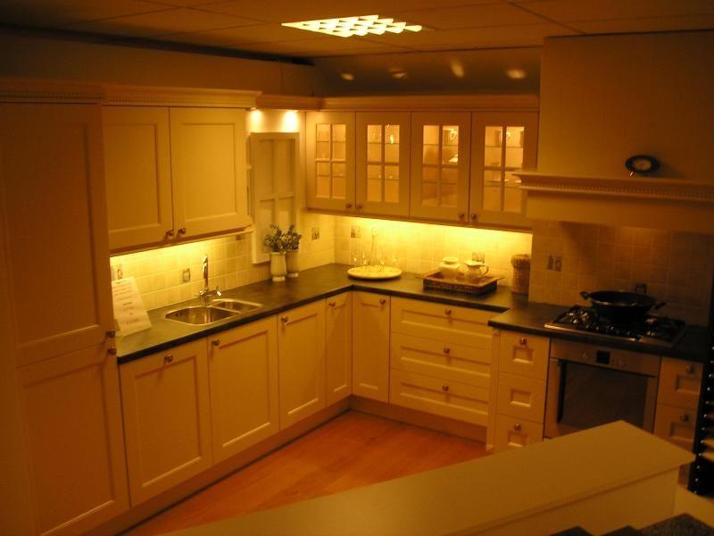 De voordeligste woonwinkel van nederland hebaform modena 24200 - Keuken decoratie model ...