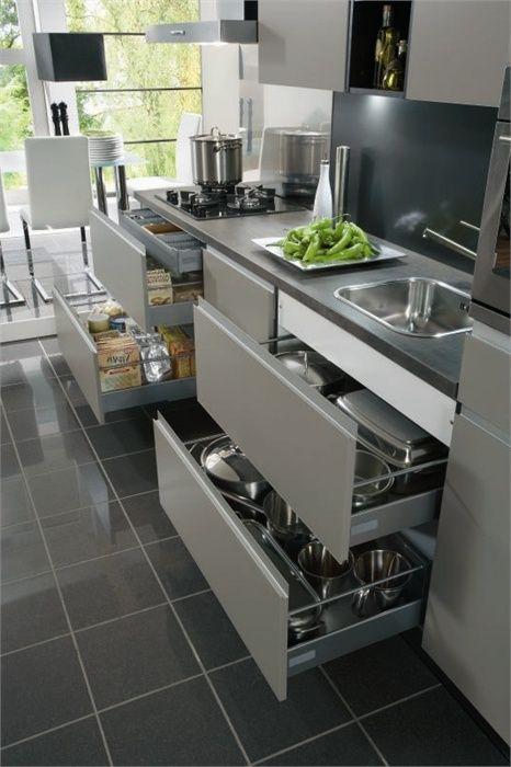 Keuken Kleur Taupe : Deze greeploze keuken in de trendy kleur taupe gecombineerd met shadow
