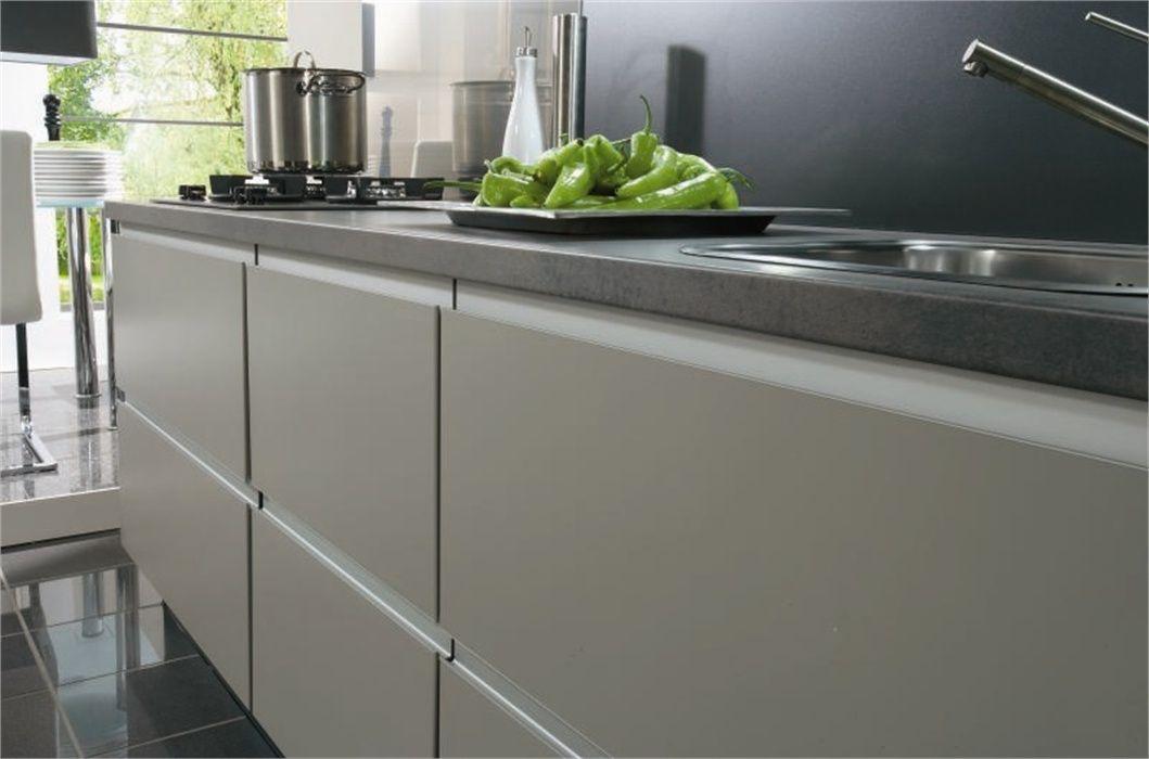 De voordeligste woonwinkel van nederland nobilia feel taupe 36312 - Beste kleur voor de keuken ...