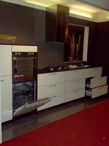 De voordeligste woonwinkel van nederland showroom keuken model satina - Model keuken ...