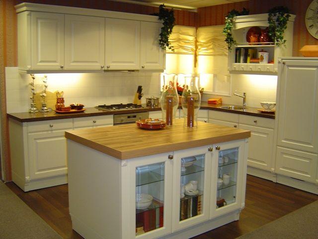De voordeligste woonwinkel van nederland klassieke keuken met riant - De klassieke keuken ...