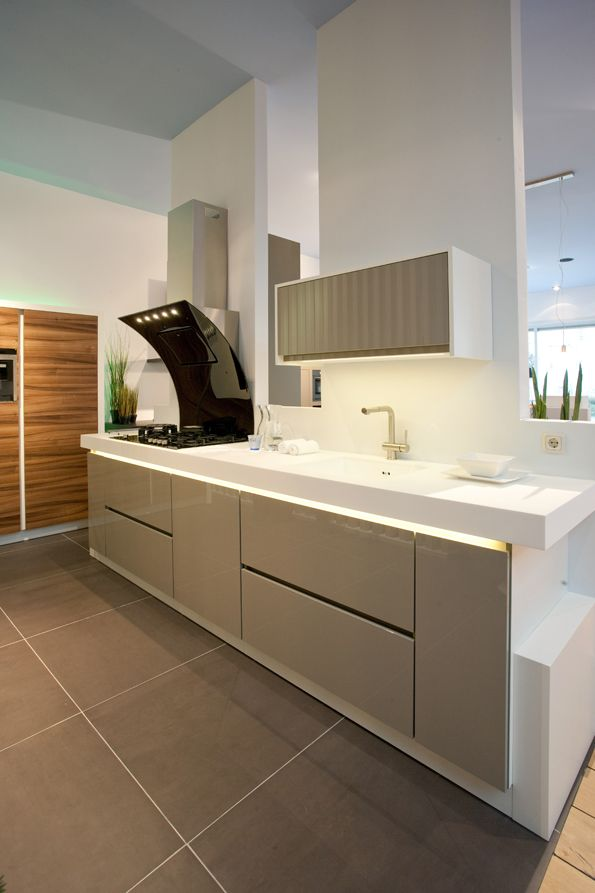 Tweedehandse keukens tweedehands ikea keukeneiland betonnen keukenkasten marktplaats - Kleine amerikaanse keuken ...