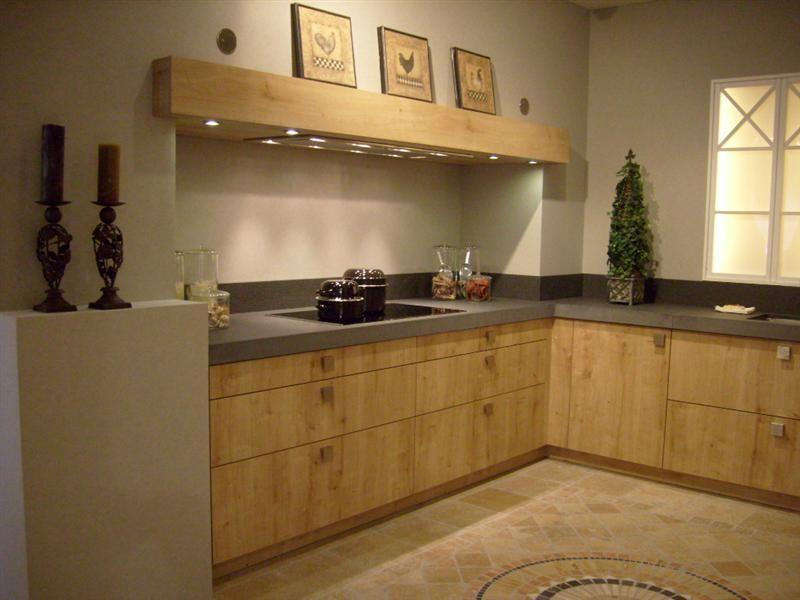 Landelijke keuken met metro tegeltjes en vrijstaande oven car interior design - Keuken tegel metro ...