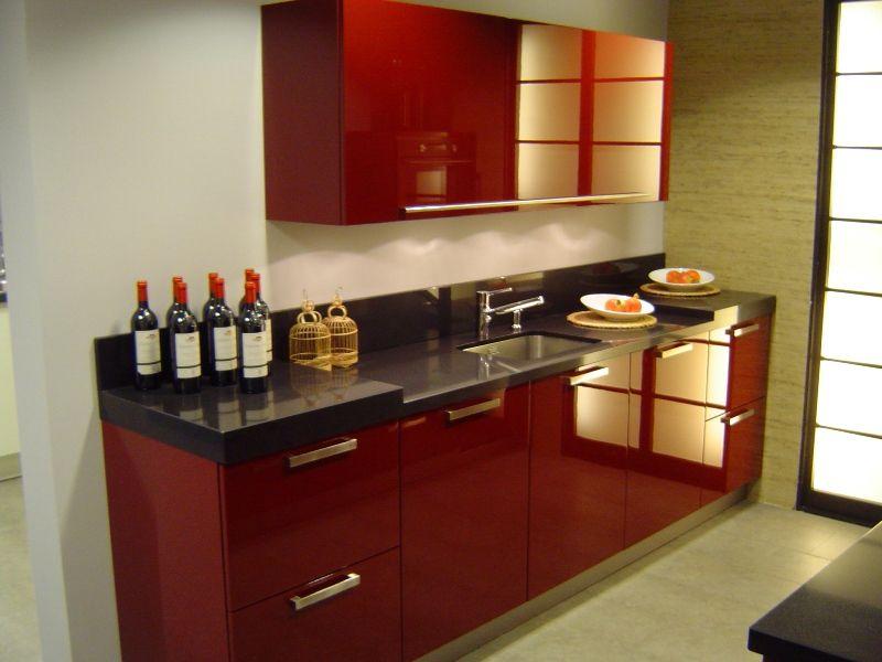 Keuken Parallel Opstelling : ! Fraaie parallel opstelling in wijnrood hooglans ge [26257