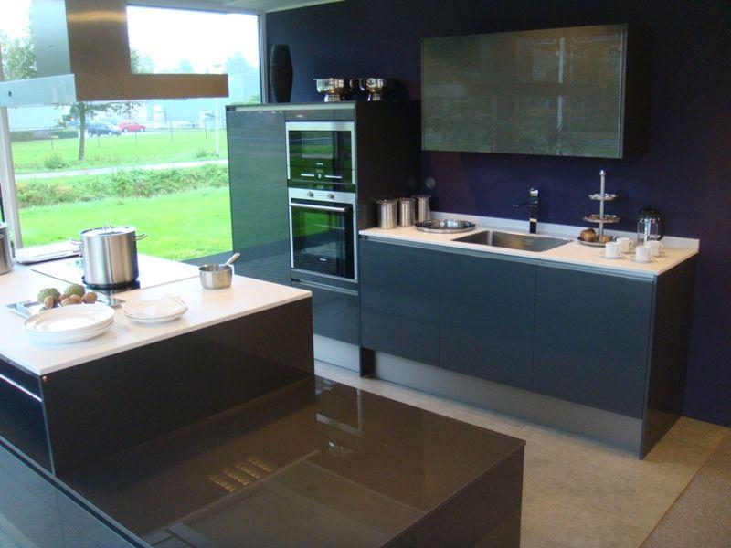 Keuken Antraciet Hoogglans : van Nederland! Exclusieve Emotion greeploze hoogglans keuken [26259