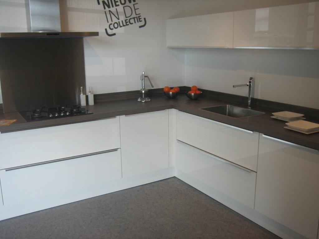 De voordeligste woonwinkel van nederland pallas 44415 - Model keuken wit gelakt ...