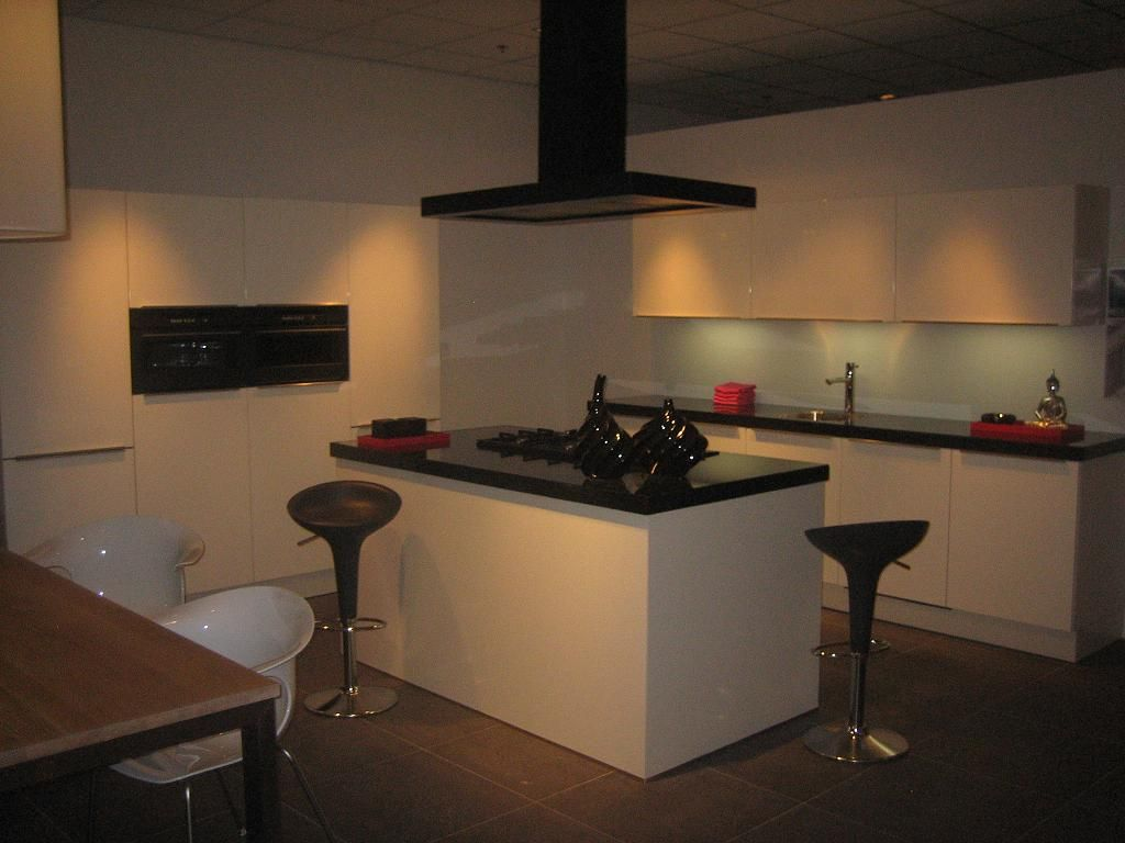 Piet Zwart Keuken Showroom : Bruynzeel Keukens Keuken Share The Knownledge