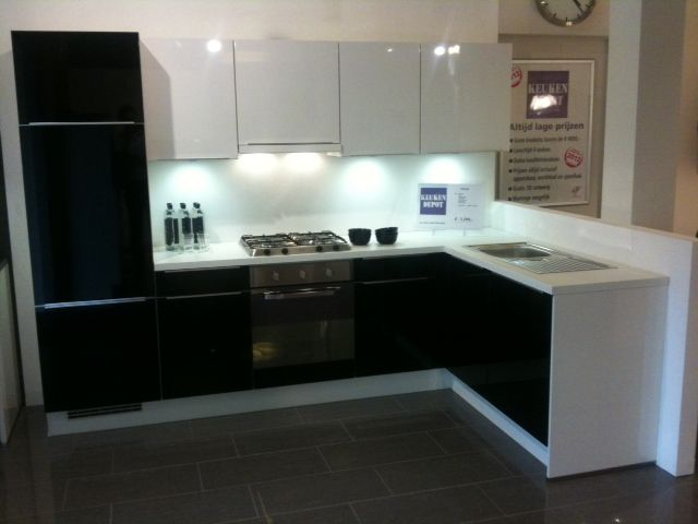 Zwart wit keuken ~ consenza for .