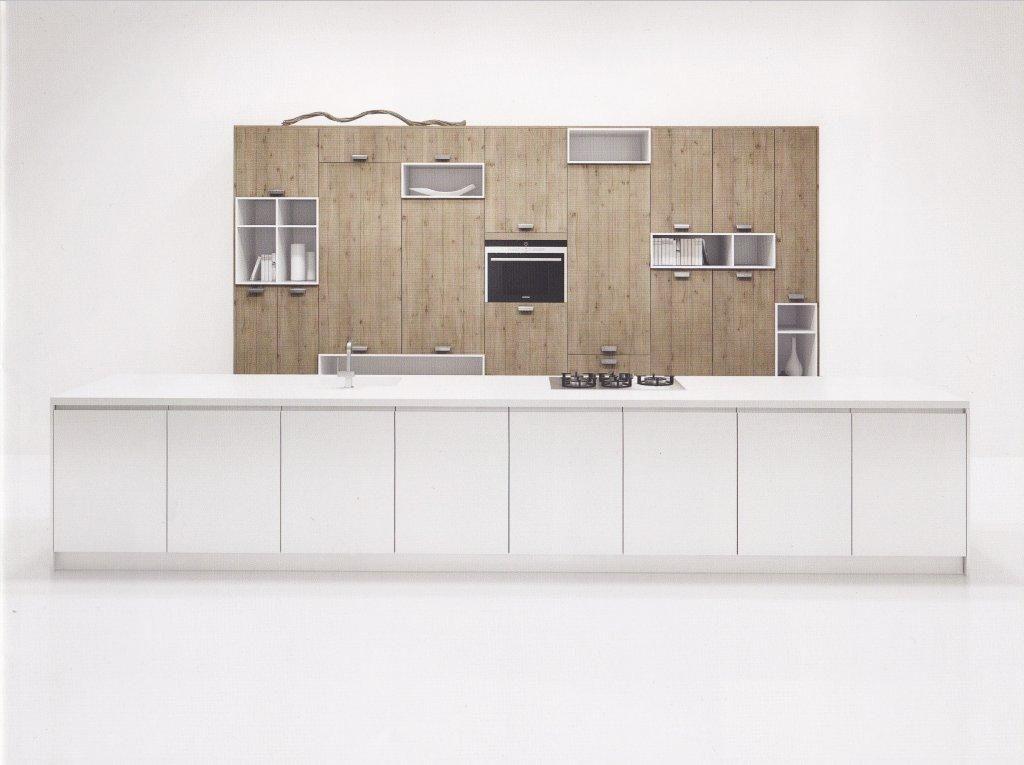 Keuken Met Eiland Afmetingen : Nederland! Groot kookeiland met houten kastenwand melody (8) [44843