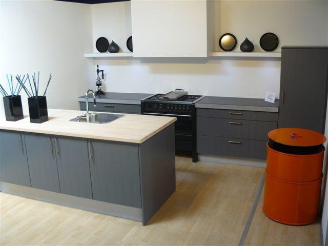 Afmetingen Schiereiland Keuken : van Nederland! Stijlvolle Parallel met schiereiland [39787