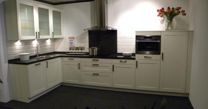Keukens landelijke stijl modern tijdloos badkamermeubels picture hd - Sofa landelijke stijl stijlvol ...