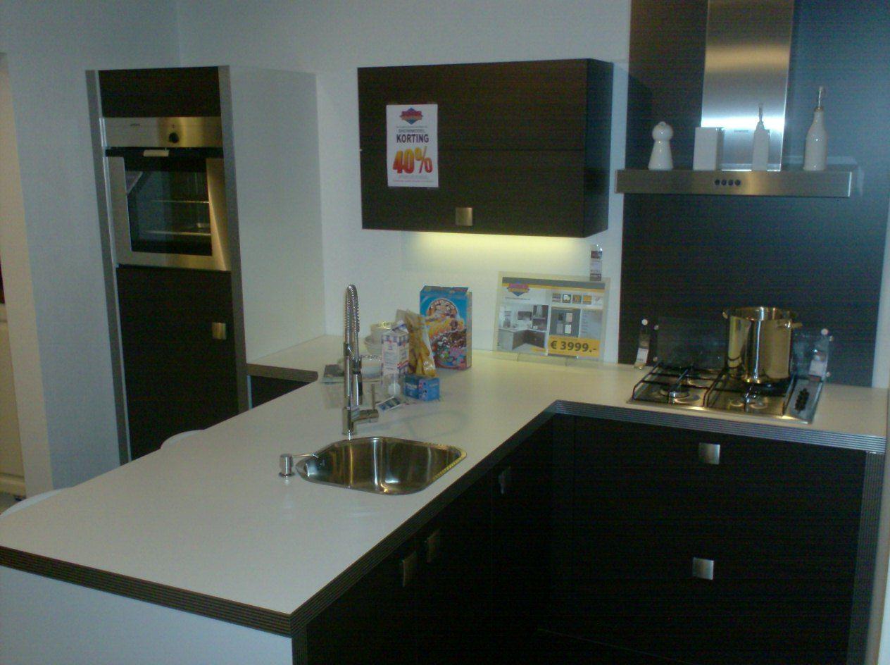 De voordeligste woonwinkel van nederland t keuken modern hout 42123 - Dimensie centraal keuken eiland ...