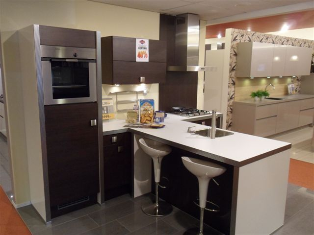 Moderne Kunst Keuken : Showroomkorting.nl De voordeligste woonwinkel ...