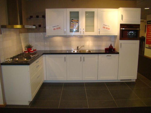 Keuken Landelijk Wit : keuken in wit 45661 landelijke hoekopstelling in de kleur wit