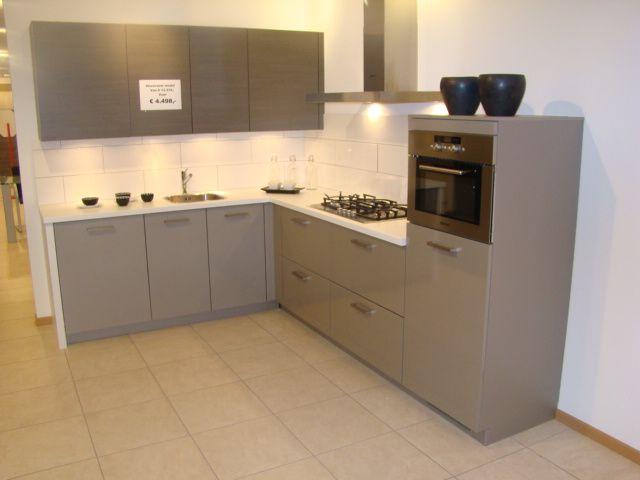 Keuken Kleur Grijs : woonwinkel van Nederland! Compacte keuken in cubanit grijs [45684