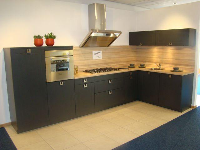 Landelijke Keuken Te Koop : Landelijke keuken in grafiet zwart [45685]