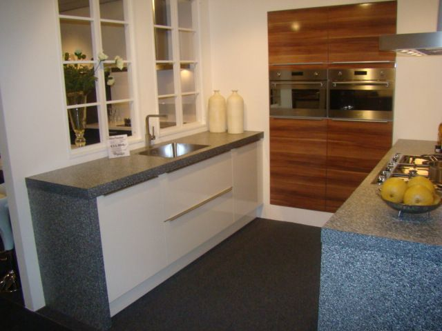 De voordeligste woonwinkel van nederland eigentijdse hoogglanzende - Eigentijdse design keuken ...
