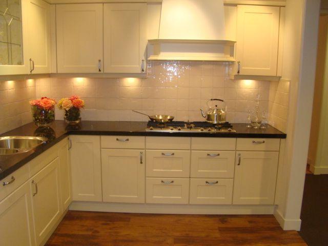 Creme Keuken : van Nederland! Landelijke keuken met granieten werkblad [45573