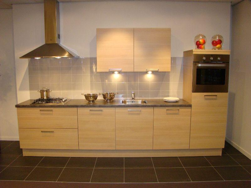 De voordeligste woonwinkel van nederland - Keuken kleur ...
