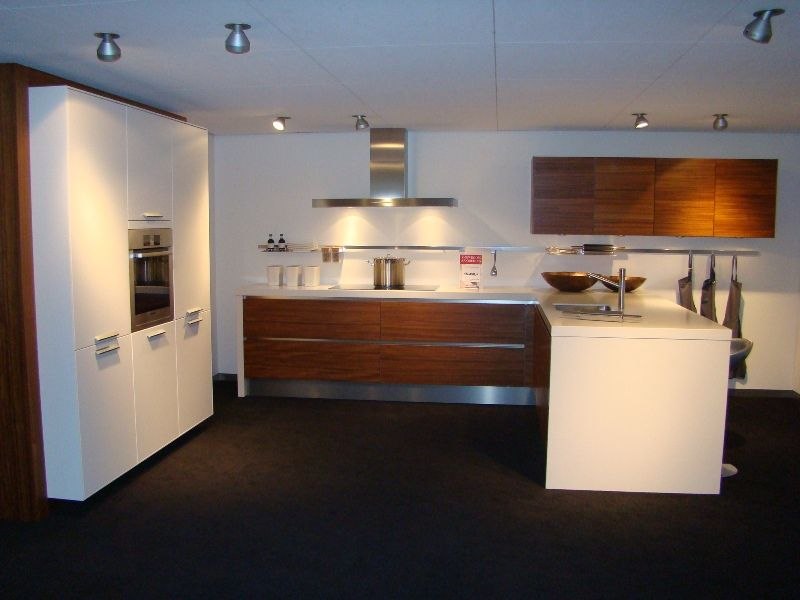 Moderne Kunst Keuken : ... woonwinkel van Nederland! Moderne U keuken ...
