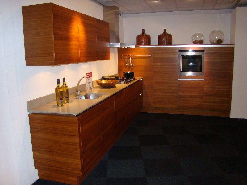 De voordeligste woonwinkel van nederland greeploze l keuken in fineer - Keuken ontwikkeling in l ...