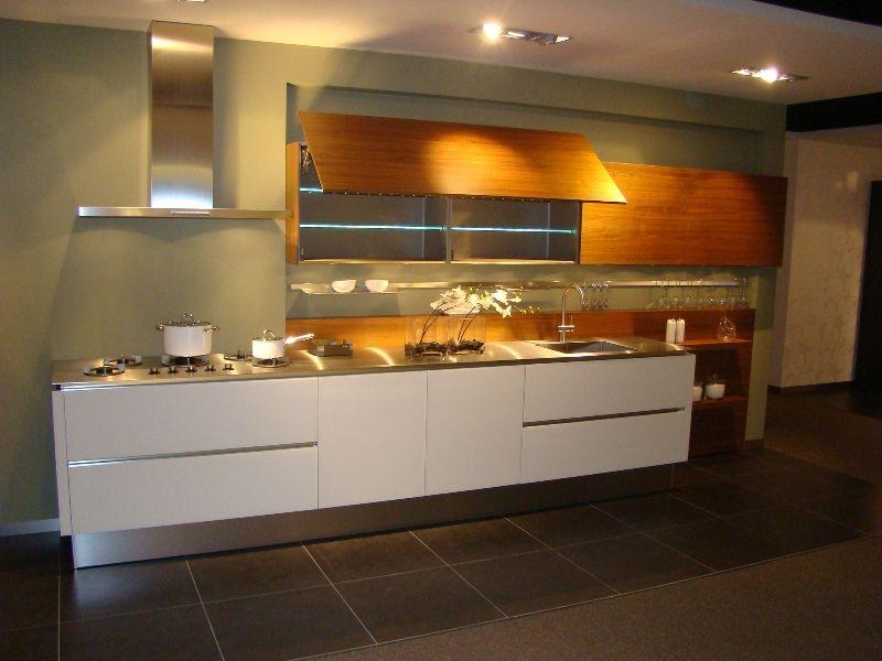 Keuken Plint Rvs : woonwinkel van Nederland! Zeer luxe keuken in designglas [45510