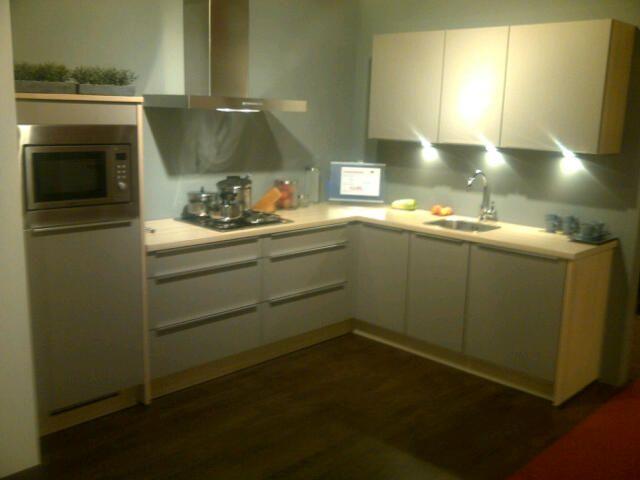Keuken Plint Hoek : De voordeligste woonwinkel van Nederland! Luxe hoek keuken [44989