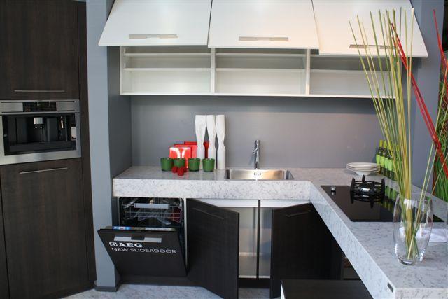 Schiereiland Keuken Showroom : schiereiland keuken en tafel 47118 prachtige luxe keuken inclusief