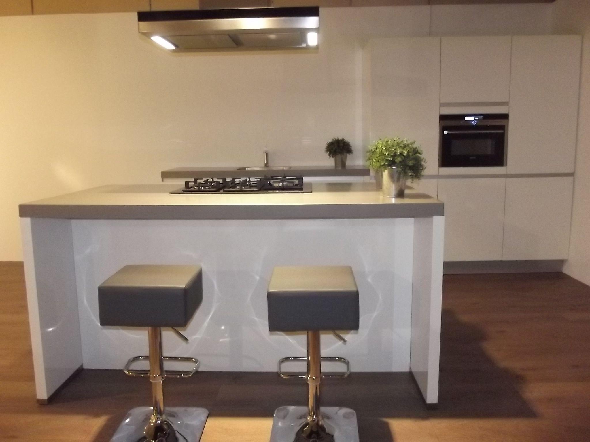 Keukens siemens siematic keuken bekijk alle keukens in de showroom van nederland keuken lucida - Centrum eiland keuken ...