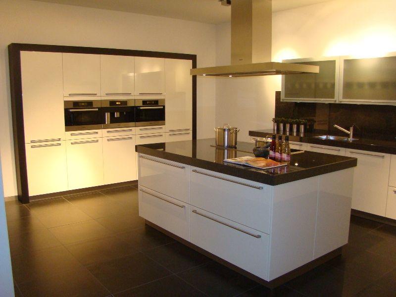 Witte Lak Keuken : ... van Nederland! Hoogglans lak eilandkeuken in ...
