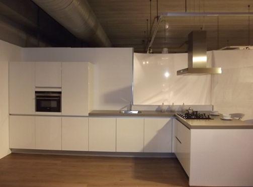 Keuken Met Schiereiland : Moderne Keuken Met Schiereiland : keuken met ...