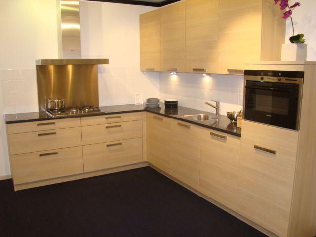 ... woonwinkel van Nederland!  Betaalbare design keuken met greep [45543