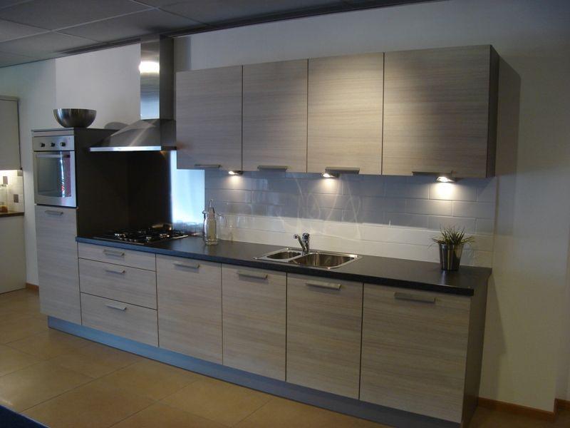 Keuken bruin moderne home design idee n en meubilair inspiraties - Afbeelding van moderne keuken ...