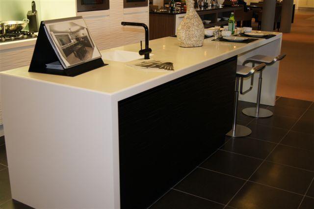 Keuken Modern Strak : Keuken Modern Strak : eiland keuken strak design en modern 41822 deze