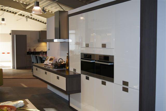 De voordeligste woonwinkel van nederland schmidt strakke design keuken - Keuken schmi ...