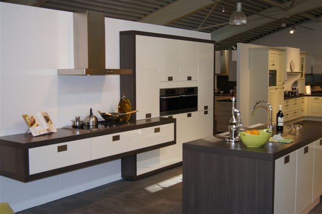 De voordeligste woonwinkel van nederland schmidt strakke design keuken - Schmitt keuken ...