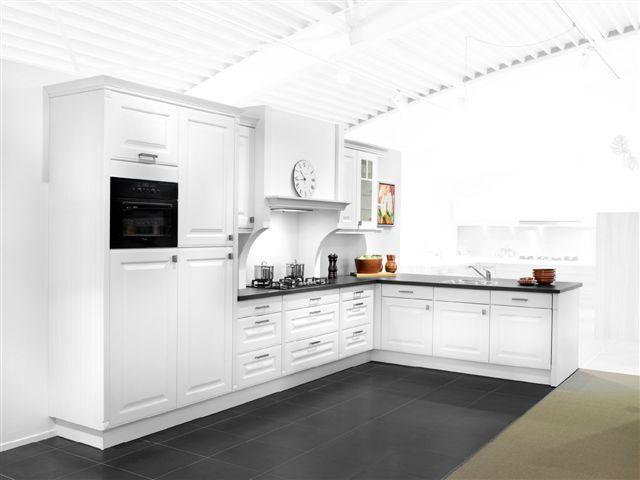 De voordeligste woonwinkel van nederland schmidt klassieke keuken 44639 - Keuken schmi ...