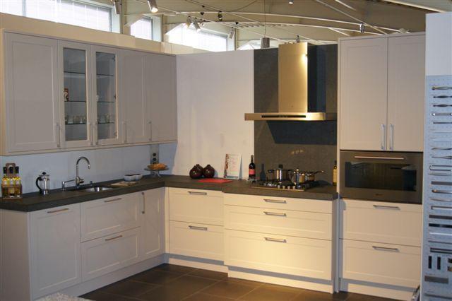 De voordeligste woonwinkel van nederland schmidt strakke moderne keuken - Keuken schmi ...