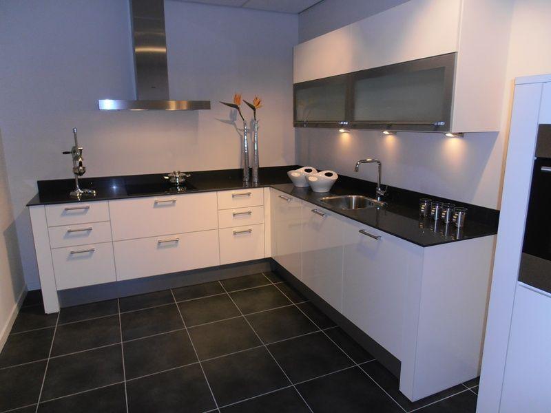 Achterwand Keuken Ideas : Grote tegels achterwand keuken. stunning glimmend zwarte tegels with