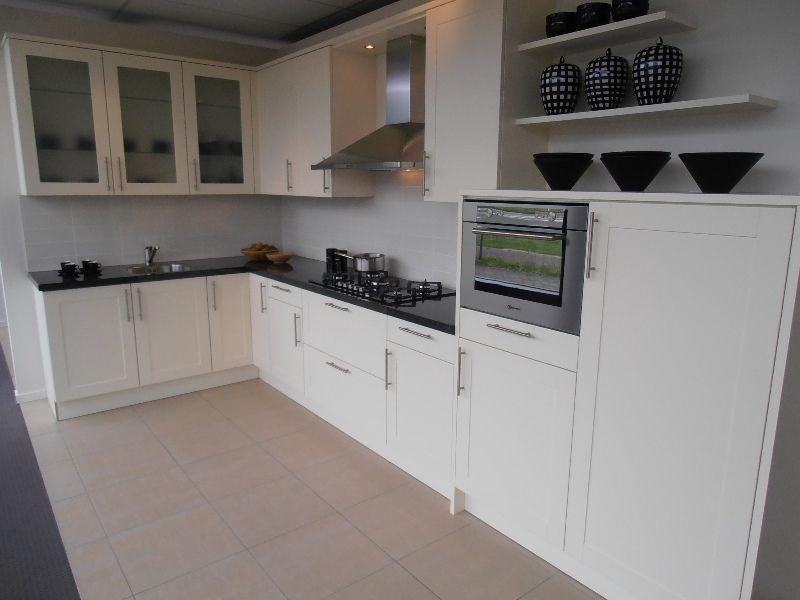 De voordeligste woonwinkel van nederland landelijke keuken met granieten - Keuken met granieten werkblad ...