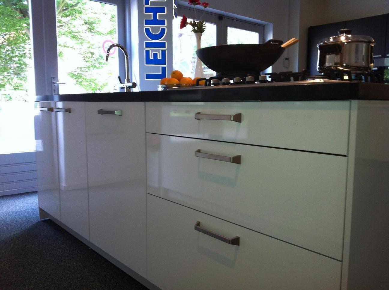 Leicht Keuken Met Betonnen Fronten : Prachtige Leicht keuken met ...