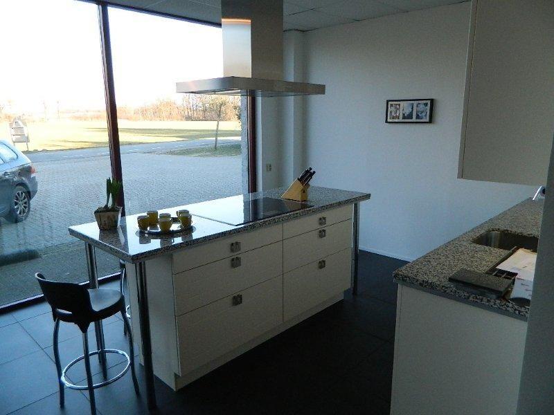 De voordeligste woonwinkel van nederland moderne keuken 48165 - Afbeelding moderne keuken ...