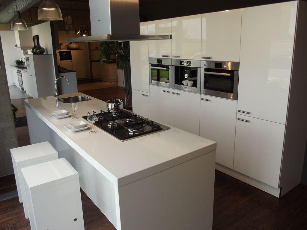 Eiland vierkant idee keuken - Kleine keuken amerikaanse keuken ...
